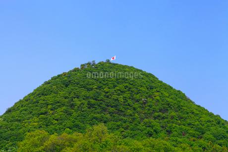 白山と日本の国旗の写真素材 [FYI02091913]