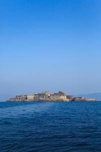 船上から望む軍艦島の写真素材 [FYI02092011]