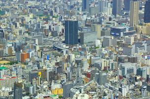 あべのハルカスより通天閣と大阪の街並みの写真素材 [FYI02092779]