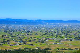砺波平野 散居村遠望の写真素材 [FYI02093440]