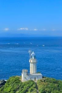 佐田岬半島先端の佐田岬灯台に豊予海峡の写真素材 [FYI02094916]