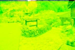 木曽路 妻籠宿(枡形)の分かれ道の写真素材 [FYI02095234]