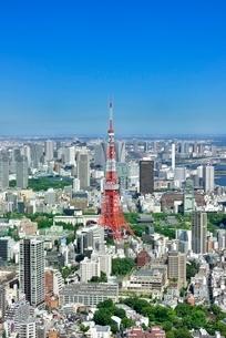 六本木ヒルズより東京タワーと東京の街並み展望の写真素材 [FYI02095826]
