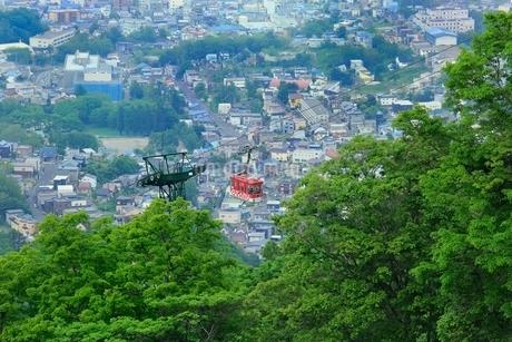 小樽,天狗山ロープウェイと小樽市街の写真素材 [FYI02095850]