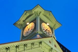 札幌,時計台のライトアップの写真素材 [FYI02095864]
