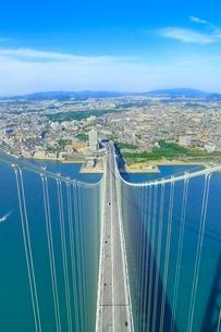 明石海峡大橋(パールブリッジ)主塔頂から神戸側を望むの写真素材 [FYI02096063]