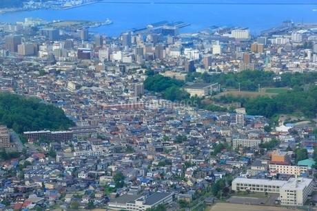 小樽,天狗山からの小樽市街眺望の写真素材 [FYI02096909]
