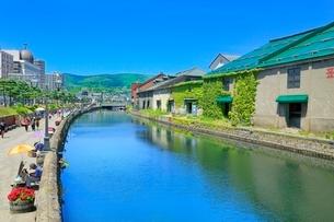 小樽,小樽運河と倉庫群の写真素材 [FYI02097054]