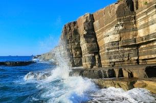 日本海と須佐ホルンフェルス大断層の写真素材 [FYI02097123]