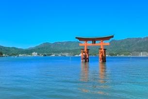 宮島 厳島神社の大鳥居の写真素材 [FYI02097935]