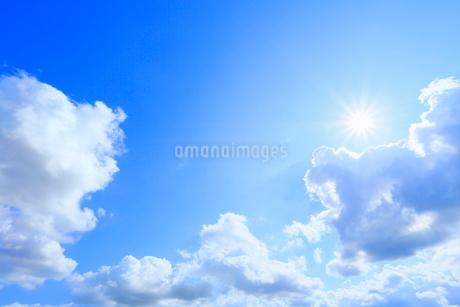 雲と太陽の写真素材 [FYI02098016]