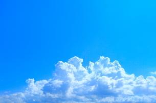 青空と入道雲の写真素材 [FYI02098060]