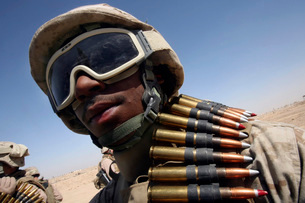 Lance Corporal waits for his turn on the M-2 .50-caliber macの写真素材 [FYI02099095]