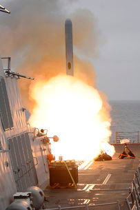 A tomahawk missile launch aboard USS Sterett.の写真素材 [FYI02099196]