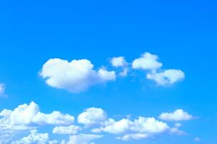 青空と雲の写真素材 [FYI02099275]