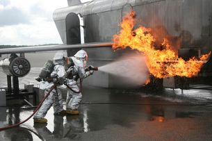 Firefighters extinguish an exterior fire during a training eの写真素材 [FYI02099642]