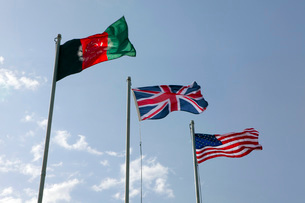 The Union Flag of the United Kingdom between the Afghanistanの写真素材 [FYI02099703]