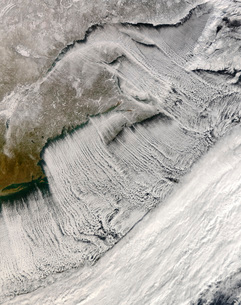 Cloud streets off New England and the Maritimes.の写真素材 [FYI02099929]