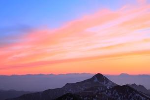 横手山より望む夕焼け空の写真素材 [FYI02100283]