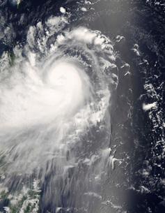 Typhoon Nuri approaching the Philippine Islands.の写真素材 [FYI02100291]