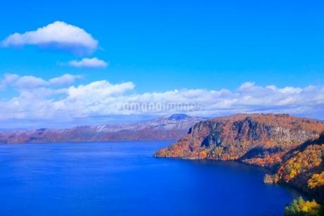 十和田湖の紅葉の写真素材 [FYI02100329]
