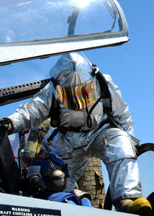A rescue drill is performed on the flight deck of USS Georgeの写真素材 [FYI02100643]