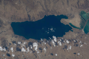 Part of the Dead Sea and parts of Israel and Jordan.の写真素材 [FYI02100674]