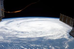 Hurricane Bill in the Atlantic Oceanの写真素材 [FYI02100686]