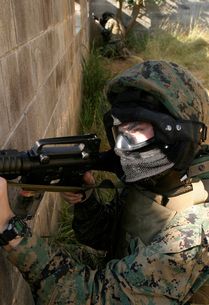 A Marine provides security.の写真素材 [FYI02100705]