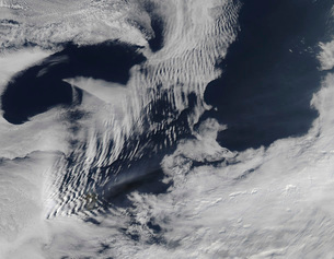 Ship-wave-shaped clouds in the South Indian Ocean.の写真素材 [FYI02100723]