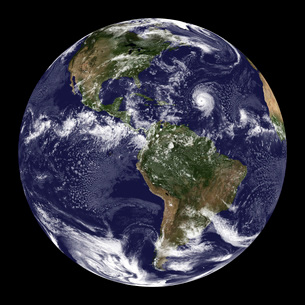 Full Earth showing North America and South America.の写真素材 [FYI02100776]