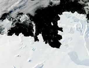 Pine Island Bay in West Antarctica.の写真素材 [FYI02100791]