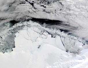 Shackleton Ice Shelf, Antarctica.の写真素材 [FYI02100880]