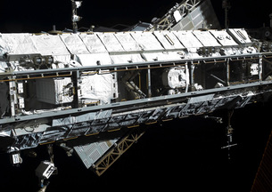 The International Space Station's starboard truss.の写真素材 [FYI02100943]