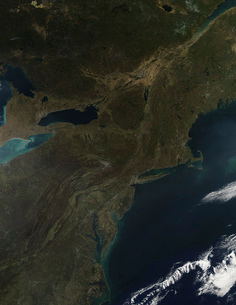 Fall colors in the eastern United States.の写真素材 [FYI02101096]