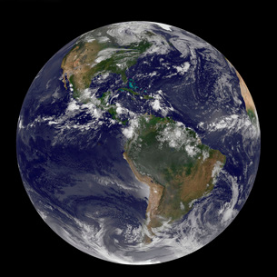 Full Earth showing North America and South America.の写真素材 [FYI02101179]