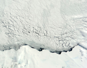 Early spring in the Antarctic.の写真素材 [FYI02101215]