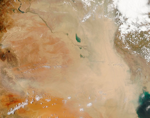 Dust storm in the Middle East.の写真素材 [FYI02101631]