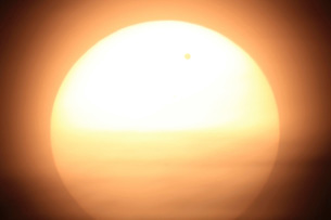 Venus transiting in front of the Sun.の写真素材 [FYI02101692]