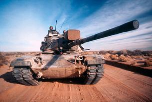 M-60 Battle Tank In Motionの写真素材 [FYI02102319]