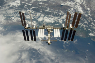 International Space Station backdropped against Earth.の写真素材 [FYI02102527]