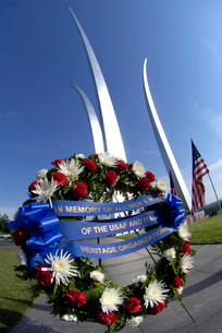 Memorial Day Wreath-laying ceremony.の写真素材 [FYI02102534]