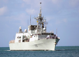 Canadian Navy Halifax-class frigate HMCS Calgary.の写真素材 [FYI02102579]