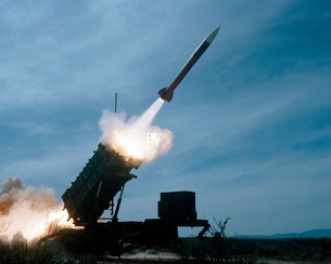 An MIM-104 Patriot missile is test fired.の写真素材 [FYI02102621]