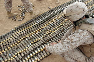 Soldiers arrange all the ordnance confiscated from caches inの写真素材 [FYI02102631]