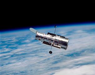 Hubble Space Telescope in orbit around Earth.の写真素材 [FYI02102748]