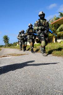 Kulis Air National Guard Security Forces members.の写真素材 [FYI02102893]
