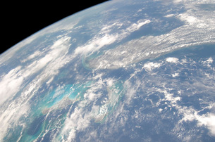 High oblique Earth view of the Florida peninsula and its neiの写真素材 [FYI02102895]