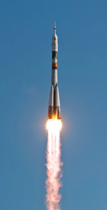 The Soyuz TMA-18 rocket launches from the Baikonur Cosmodromの写真素材 [FYI02102897]