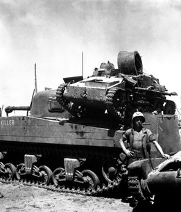 A Japanese light tank sits atop the medium tank Killer.の写真素材 [FYI02103020]